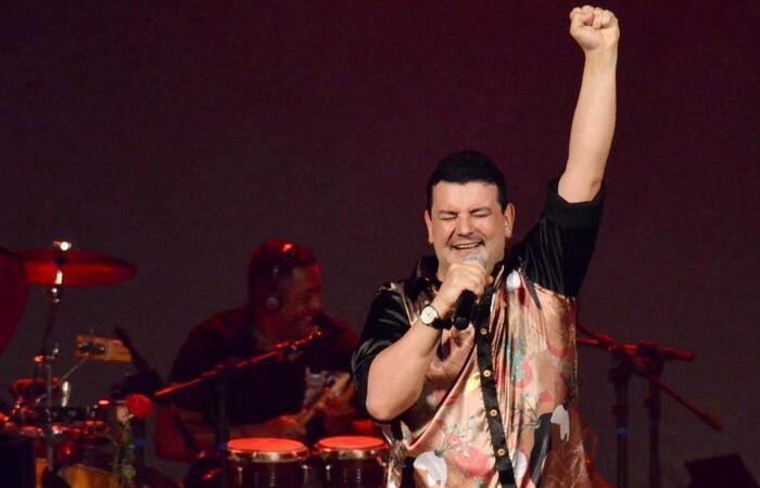 Na ocasião, o cantor apresentará a inédita Frevo rasgado, uma parceria com Paulo Murilo Filho, em homenagem a grandes símbolos do Carnaval  (Foto: Angélica Souza/Divulgação)