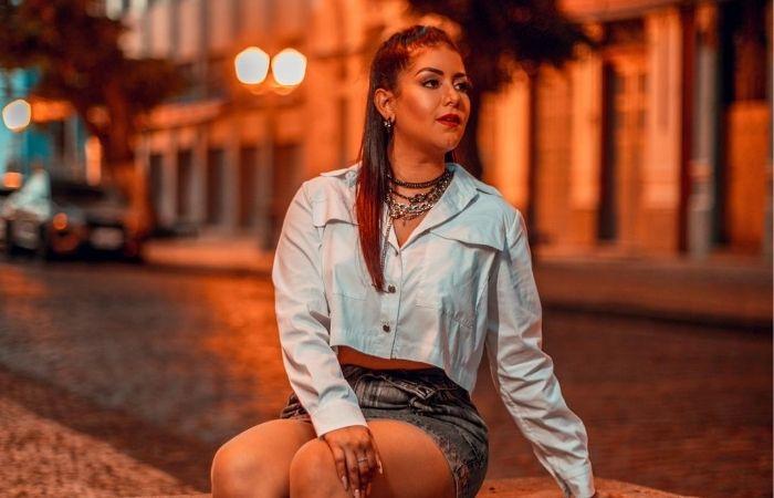 Recentemente, cantora gravou clipe na Rua do Bom Jesus (Foto: Verner Brenan/Divulgação)