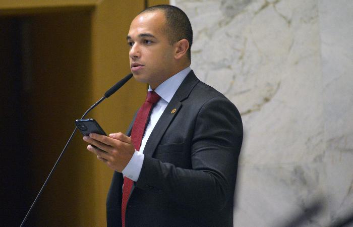 Douglas Garcia é deputado estadual em São Paulo. (Foto: José Antonio Teixeira/Alesp.)