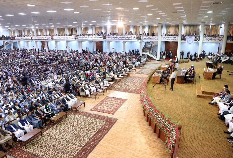 (Assembleia dos Notáveis realizada neste domingo (09). Foto: HANDOUT / Press Office of President of Afghanistan / AFP)