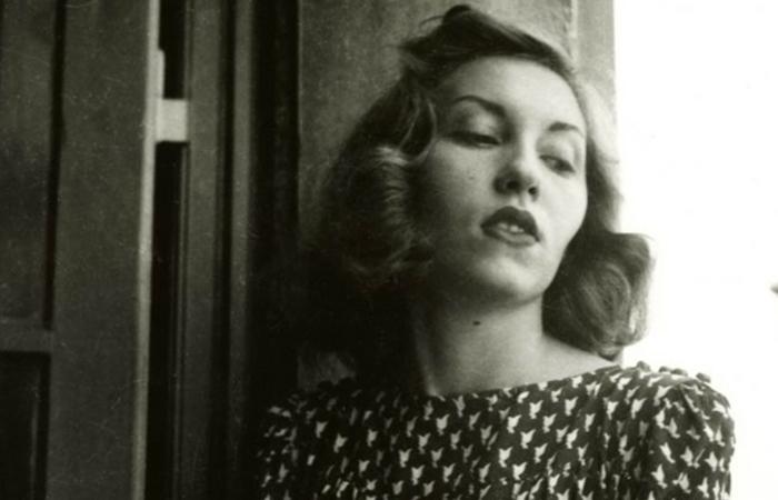 A escritora faleceu aos 56 anos. (Foto: Instituto Moreira Salles/Divulgação)