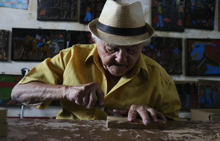 O convidado é o xilogravurista José Francisco Borges nesta quinta-feira a partir das 17h (Gabriel Melo Arq DP)