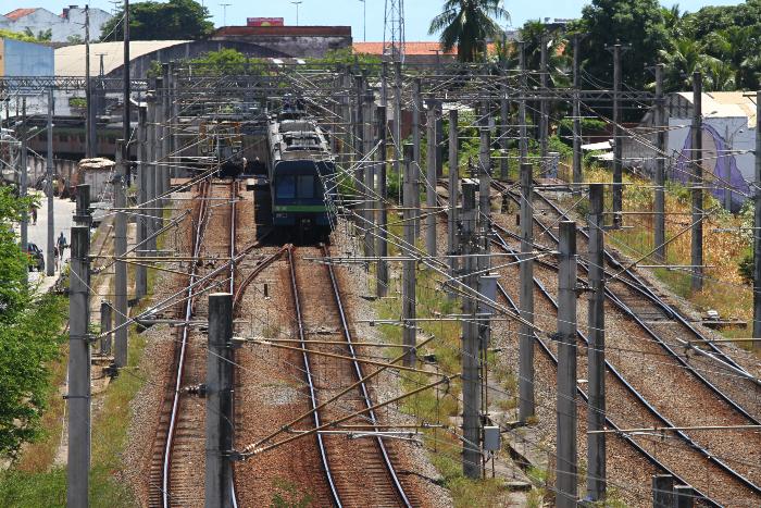 O roubo e a recepção desses cabos, além de ser crime, também prejudica todos os passageiros que utilizam o sistema. (Foto: Peu Ricardo/DP. )
