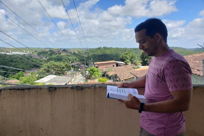 Túlio Santos não sabe quando vai concluir o curso de odontologia na UFPE. (Foto: Peu Ricardo/DP)