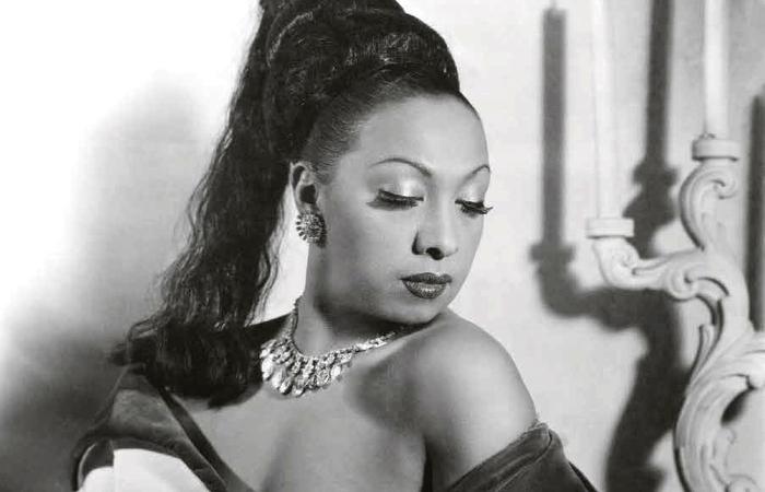 Josephine Baker fez shows no Recife em 16 e 17 de agosto de 1952, quando tinha 46 anos (Foto: Reprodução da Internet)