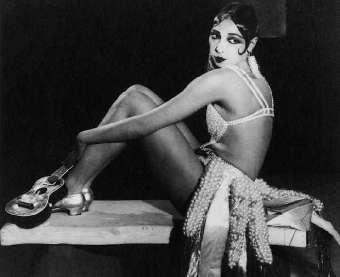 Josephine Baker na década de 1920, em Paris (Foto: Reprodução da Internet)