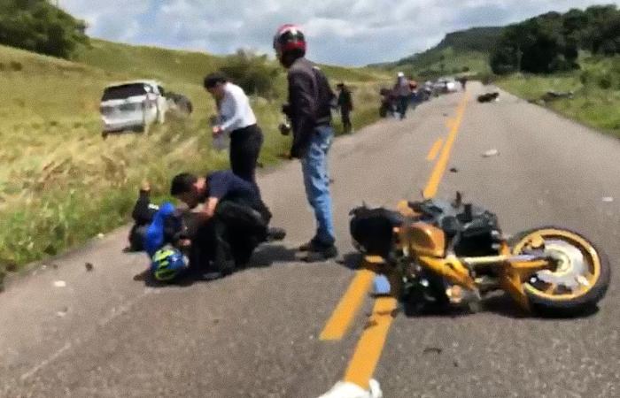 Acidente aconteceu nesse domingo (23), na PE-96, em Água Preta. (Foto: Reprodução/Whatsapp.)