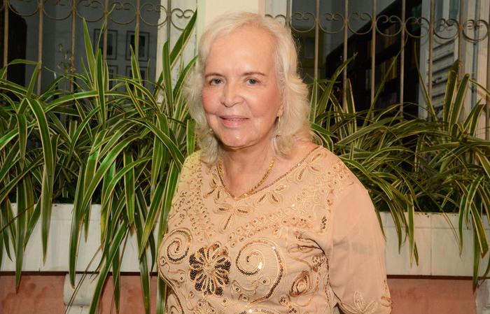 Jornalista de 80 anos trabalha como revisora na Cepe (Foto: Divulgação)