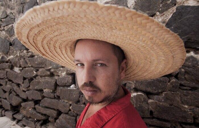 Cantor pernambucao Barro (Foto: Hëlder Novaes/Divulgação)