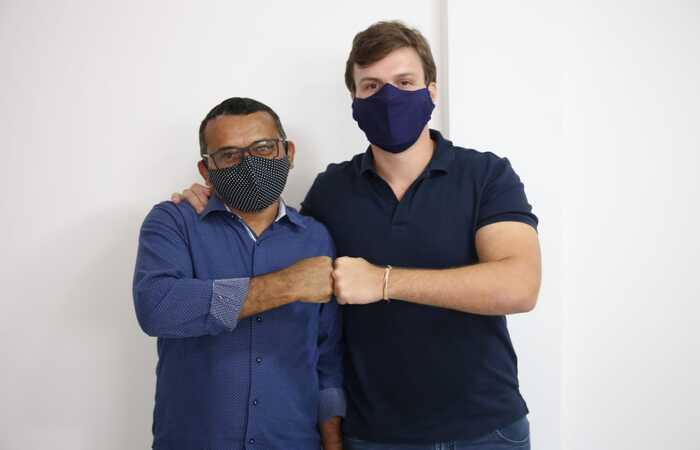 (Miguel Coelho recebe apoio do Patriota. Foto: Divulgação)