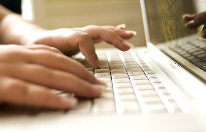 Qualificações profissionais à distância são para representante comercial, vendedor e vendedor de serviços e produtos ópticos.  (Foto: Pixabay/Reprodução)