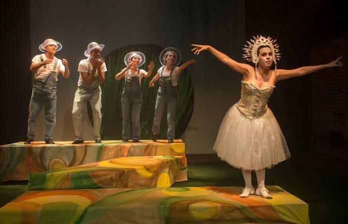 (Foto: Cia Fiandeiros de Teatro/Reprodução/Facebook)