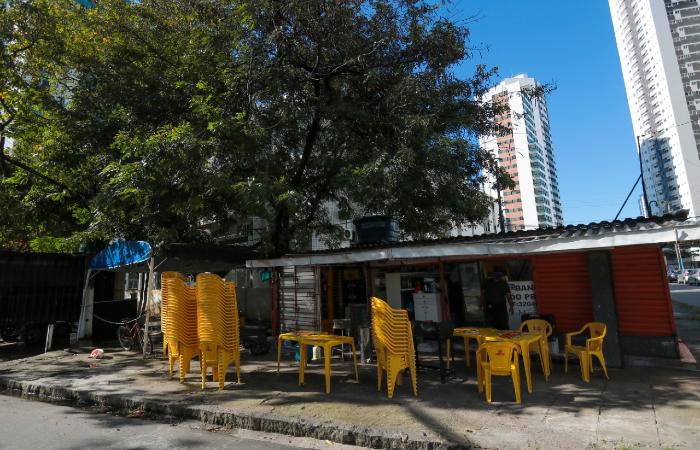 Tragédia aconteceu no último sábado, em um bar em Boa Viagem que estava cheio na hora da confusão. (Foto: Tarciso Augusto/Esp. DP.)