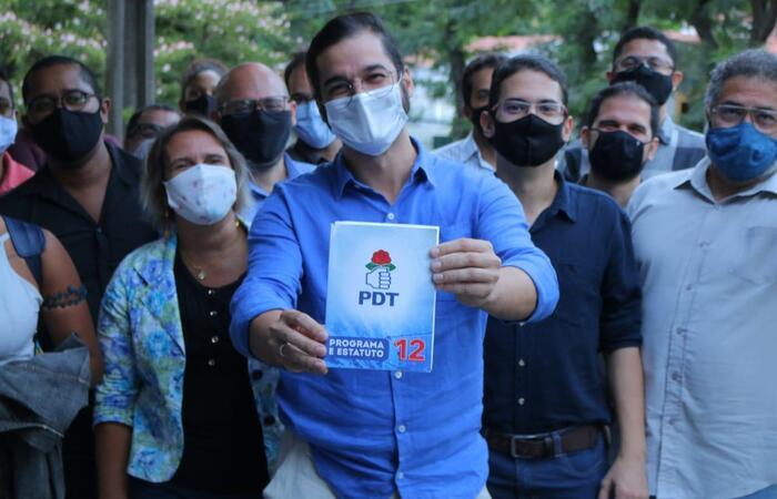 (Túlio Gadelha reuniu seu grupo político para anunciar a decisão e comando nacional revolve afastá-lo da direção do PDT/Recife. Foto: Divulgação)