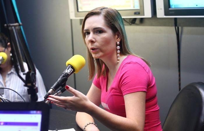 (Delegada Patrícia afirma que propaganda beneficia o candidato do PSB, João Campos. Foto: Bruna Costa/Esp.DP)