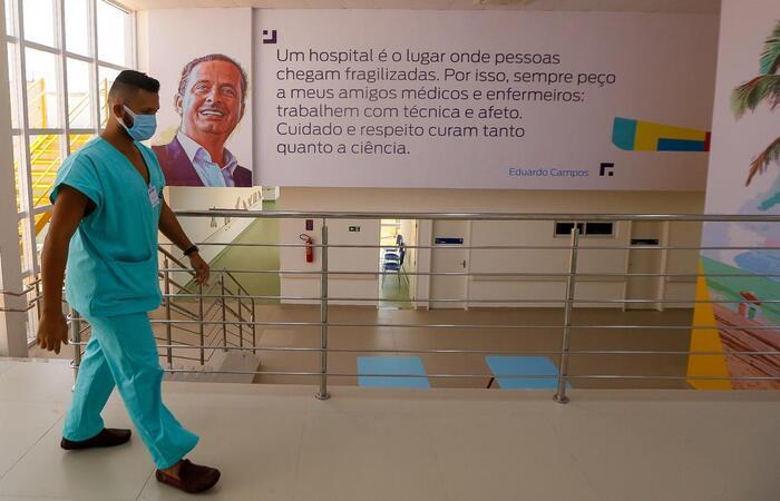 Painel do artista pernambucano José Ferreira. (Foto: Leandro de Santana/ DP)
