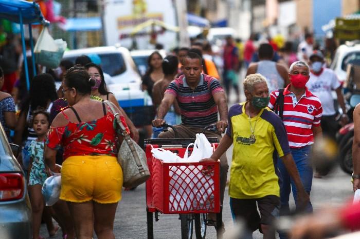 Movimentação em Boa Viagem e Água Fria, nesta sexta-feira (02). (Fotos: Bruna Costa / Esp. DP FOTO)