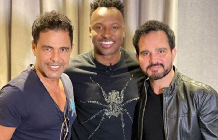 Zezé Di Camargo e Luciano gravam a música 'Dois Corações e Uma História' com Thiaguinho. (Foto: Reprodução/Instagram)