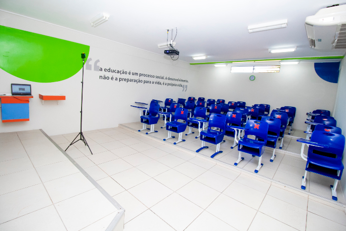 Salas de aula permaneceram vazias nesta terça-feira. (Foto: Fernando Alves/Divulgação)