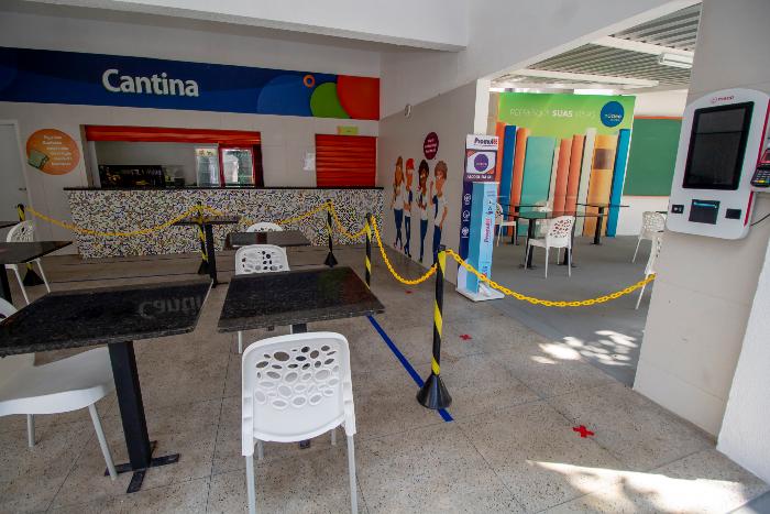 Cantina do Colégio Núcleo tem sistema de pagamento virtual ou por aproximação para evitar manipulação de cédulas. (Foto: Fernando Alves/Divulgação)