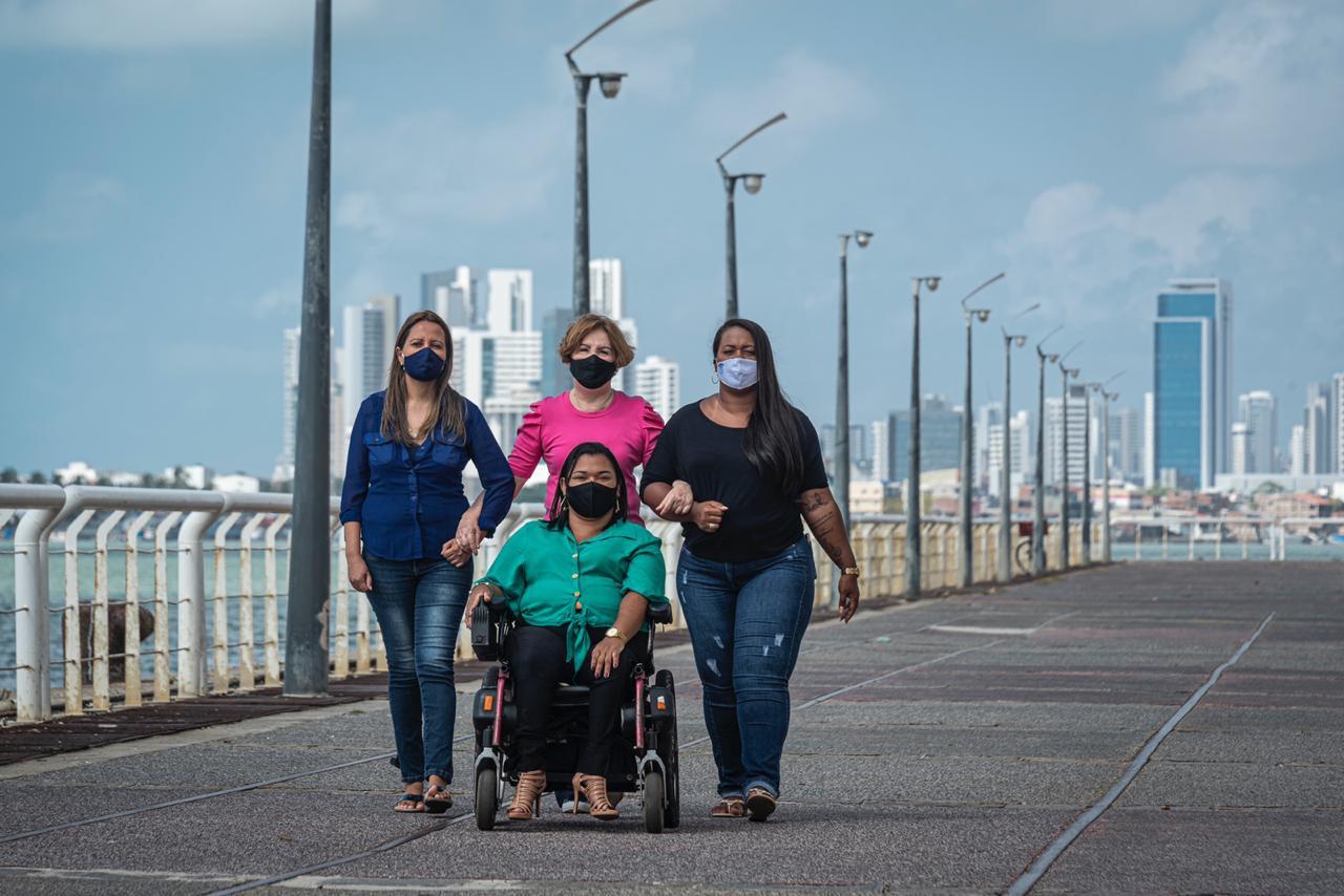 Chapa é formada por Terezinha Nunes, Germana Soares, Carol Aleixo e Cibelle Albuquerque. Foto: Fred Jordão/Divulgação (Foto: Fred Jordão/Divulgação)
