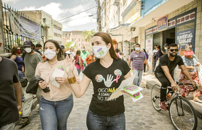 Candidata se reuniu comerciantes do centro do Recife. Foto: Tiago Calazans/Divulgação (Foto: Tiago Calazans/Divulgação)