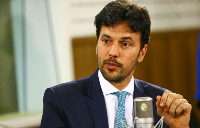 Ministro relatou apresentar sintomas como febre e dor de cabeça  (Foto: Marcelo Camargo/Agência Brasil)