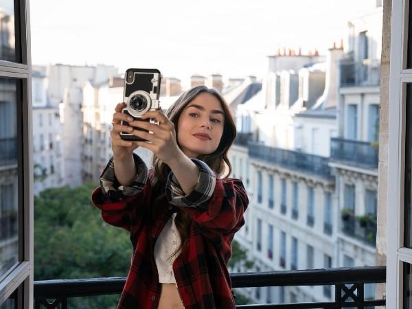 A personagem vai a Paris colaborar com novas diretrizes para as mídias sociais. (Foto: Reprodução da internet)