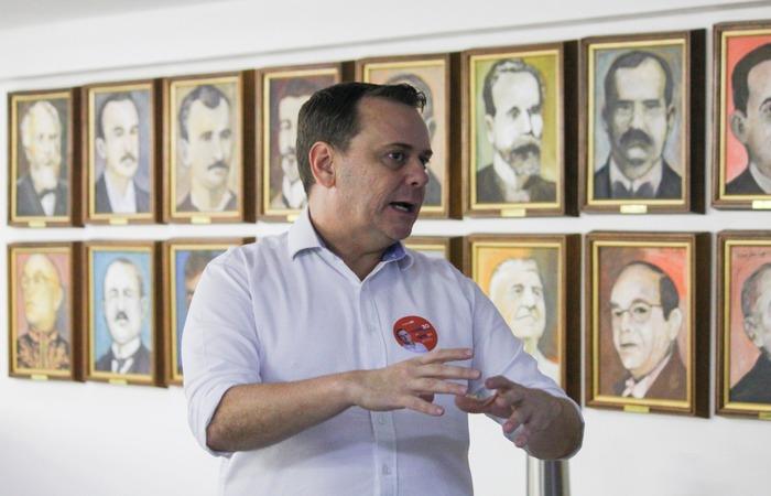 O candidato a Prefeitura do Recife fez uma visita à sede do Diario de Pernambuco. (Foto: Sandy James/Esp.DP FOTO)
