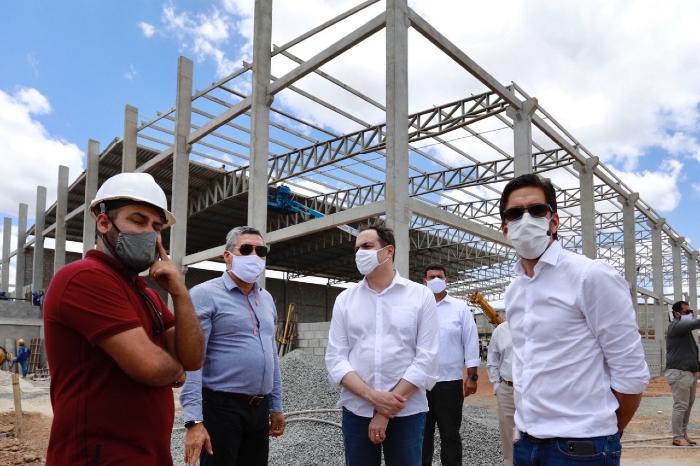 Governador também visitou obras em Glória do Goitá e Pombos. (Foto: Heudes Regis/SEI/Divulgação)
