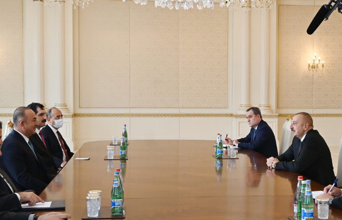 (Foto: AFP / Imprensa do Presidente do Azerbaijan / Handout)