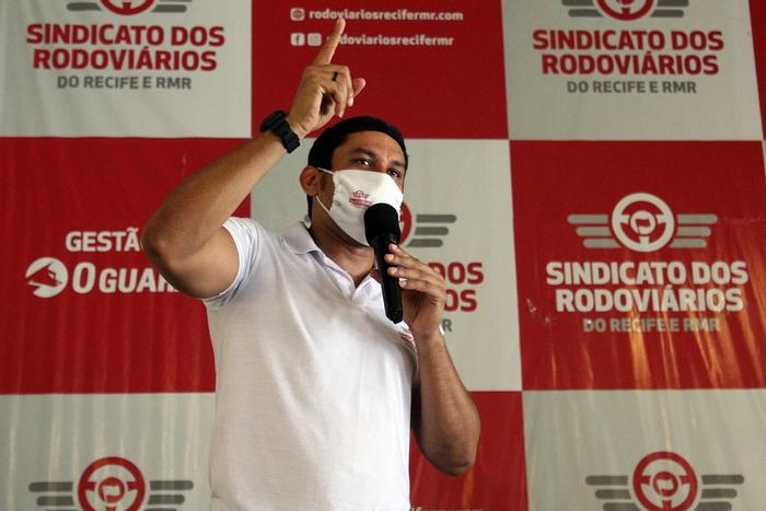Presidente do Sindicato dos Rodoviários, Aldo Lima, faz exigência formal da publicação da lei no Diario Oficial (Divulgação)