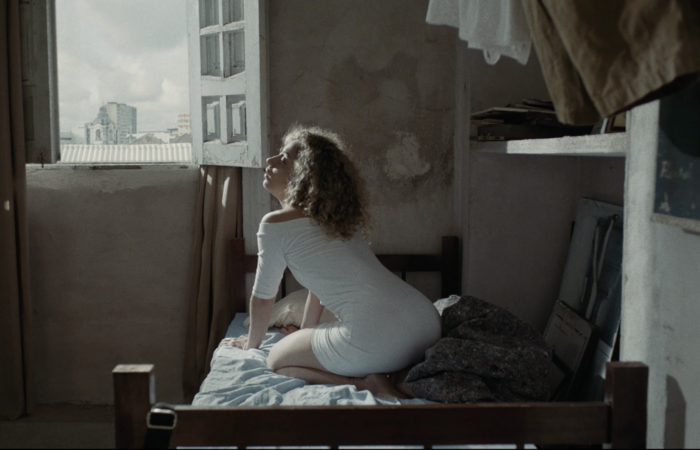 Primeiro longa do diretor caruaruense Eduardo Morotó, 'A morte habita à noite' é ambientado no Centro do Recife. (Foto: Divulgação)