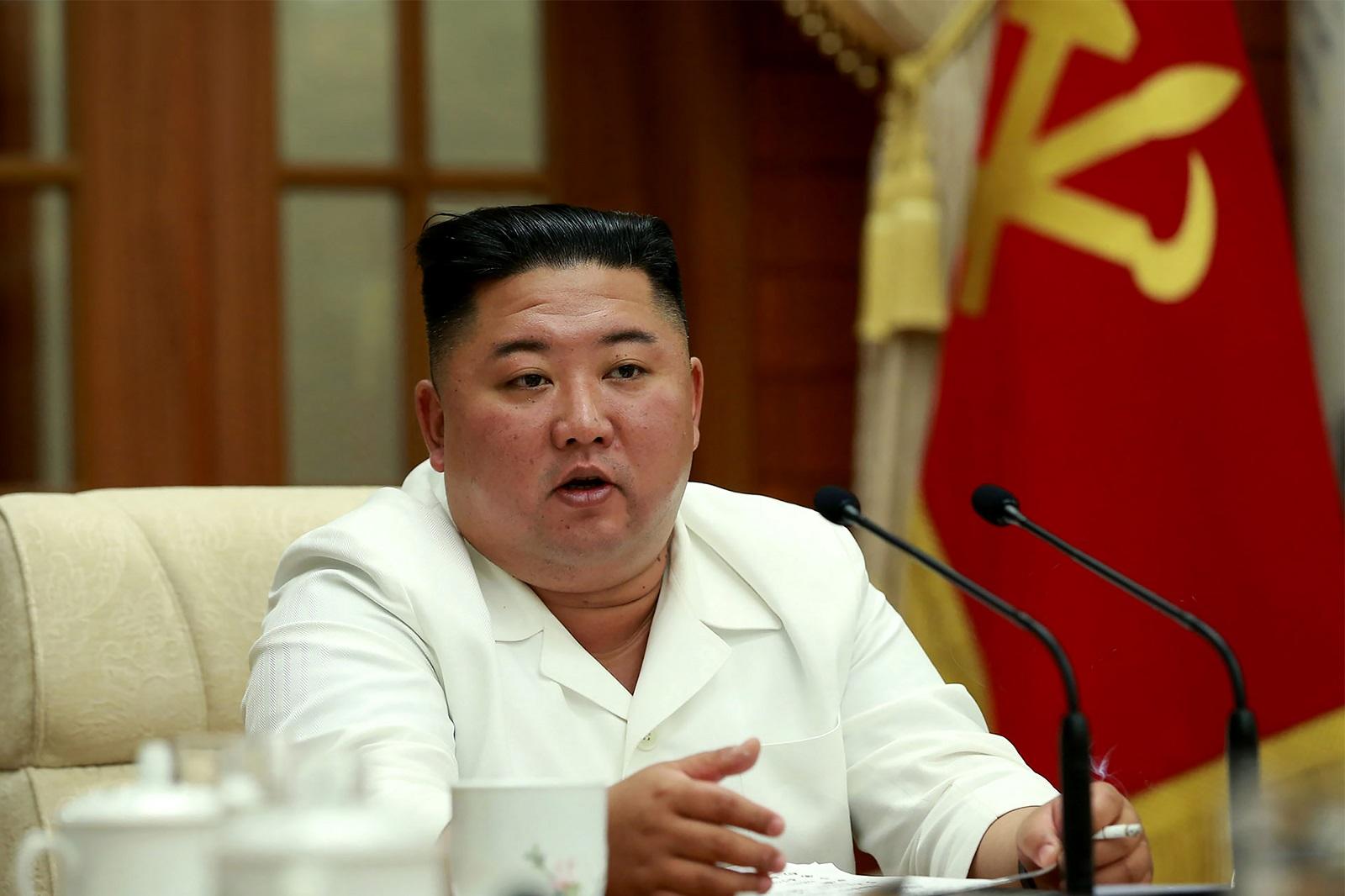 O pedido foi feito ao líder supremo da Coreia do Norte, Kim Jong-um (Foto: STR / AFP / KCNA VIA KNS)