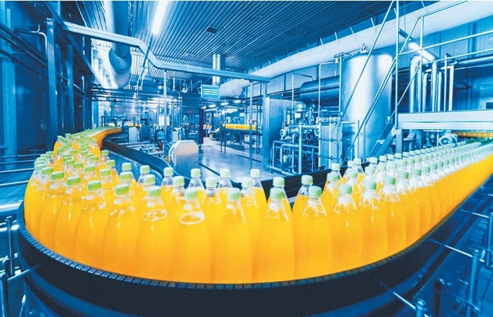 O setor de bebidas pode ter impacto negativo em 2021 caso a pandemia volte a crescer.  (Foto: CNI/Divulgação)