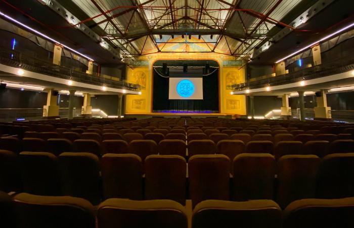 O cine-teatro foi reaberto em evento simbólico no dia 11 de dezembro. (Foto: Leandro de Santana/DP FOTO)