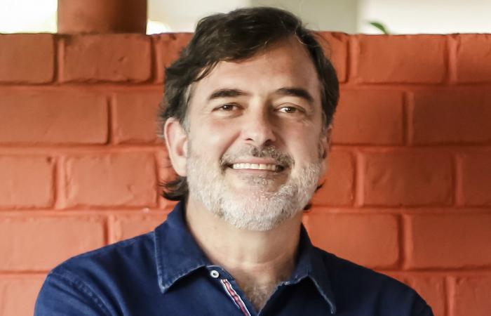 O jornalista e professor Ricardo Mello assume, no dia 1º de janeiro, a pasta de Cultura da prefeitura do Recife. (Foto: Andréa Rêgo Barros/Divulgação)
