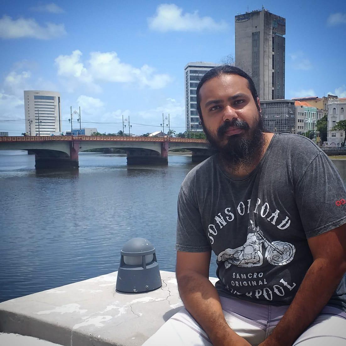 Professor Wallace Barbosa relata sobre falta de regulação das novas rotinas nas escolas (Arquivo pessoal)