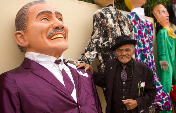 Mestre Jaime ficou conhecido por montar bonecos gigantes para o carnaval de Salgueiro (Foto: Ricardo Moura/Secult-PE)