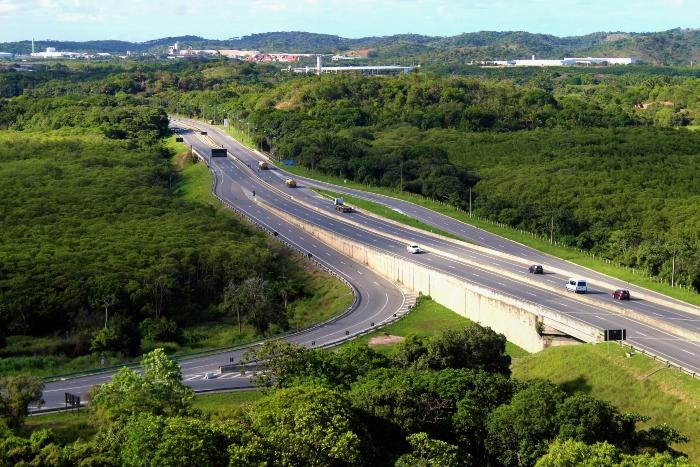 Estrada é bastante usada por condutores com destino ao Porto de Suape e às praias do Litoral Sul, (Foto: Danielle Coutinho/Suape/Divulgação)