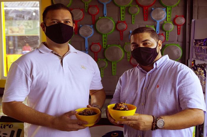 Filipe Melo e Gustavo Interaminense investiram em loja no Ceasa. (Foto: Túlio Martins/Divulgação)