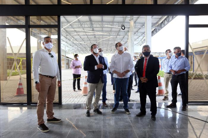 O governador do estado, Paulo Câmara, visitou as obras nesta sexta-feira. (Foto: Aluísio Moreira/SEI/Divulgação)