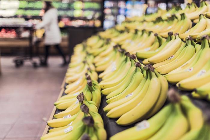 A banana foi o item da cesta básica que mais teve diminuição de preço na capital pernambucana, com redução de 16,22%.   (Foto: Pixabay/Reprodução)