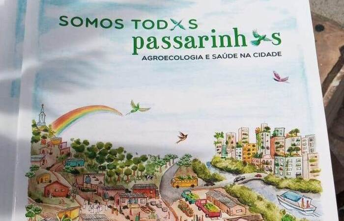 Cartilha de Agricultura Urbana desenvolvida pela Rede pela Transição em parceria com o Grupo Espaço Mulher (Foto: Mariana Maciel)