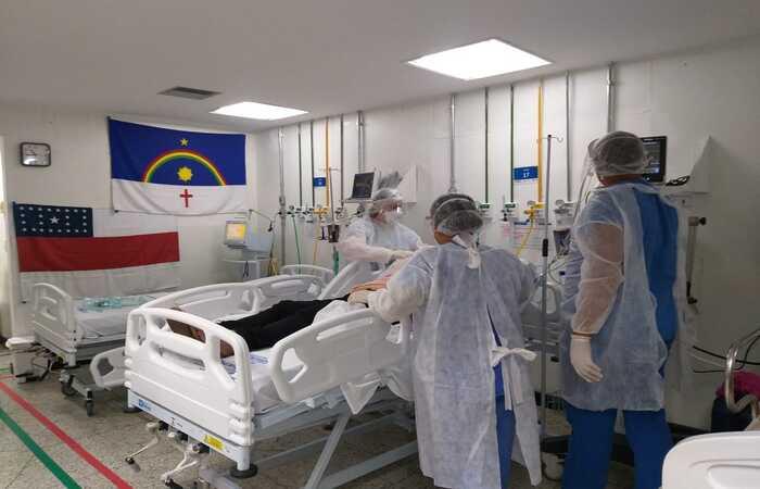 Cinco enfermos foram encaminhados para leitos de UTI no Hospital de Referência estadual  (Foto: SES-PE/Divulgação)