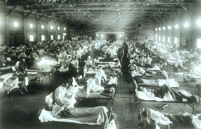 Foto: U.S Army/Reprodução (Hospital militar de Emergência, no Kansas, Estados Unidos, durante uma pandemia de gripe espanhola.)