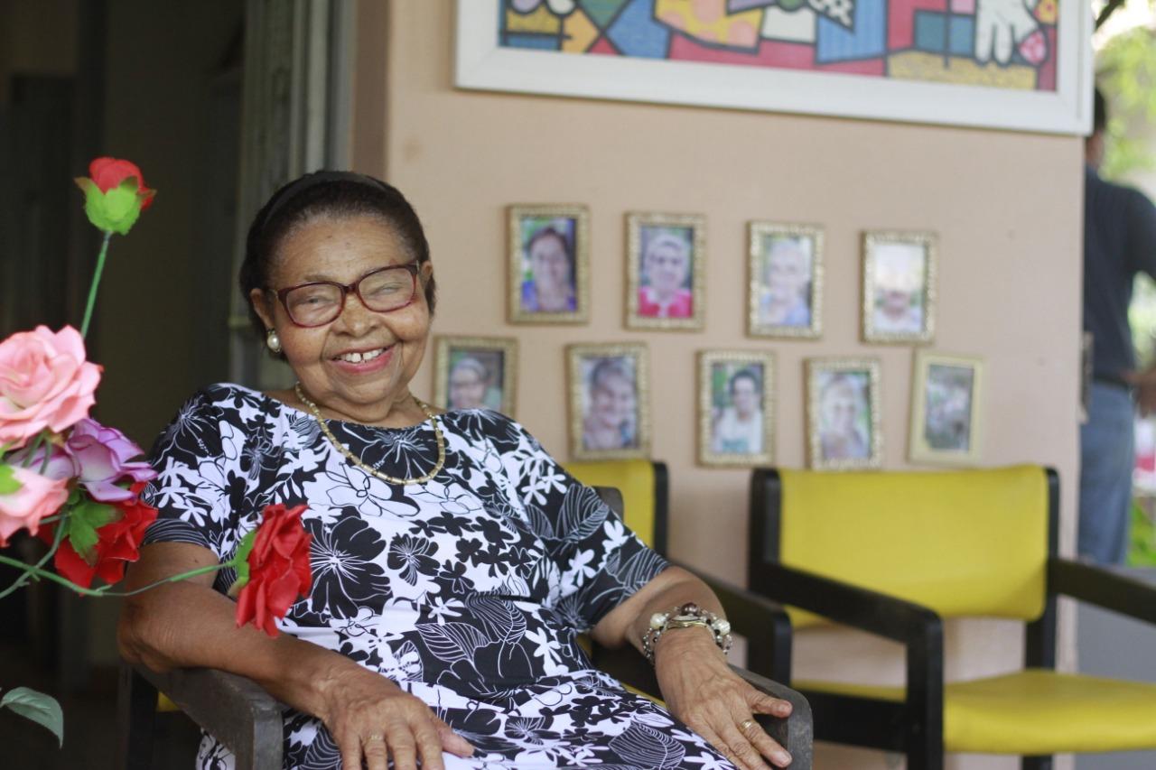 Maria da Paixão, 87 anos de idade, vive na Casa do Amor há quatro anos (Foto: Rômulo Chico / Esp.DP)