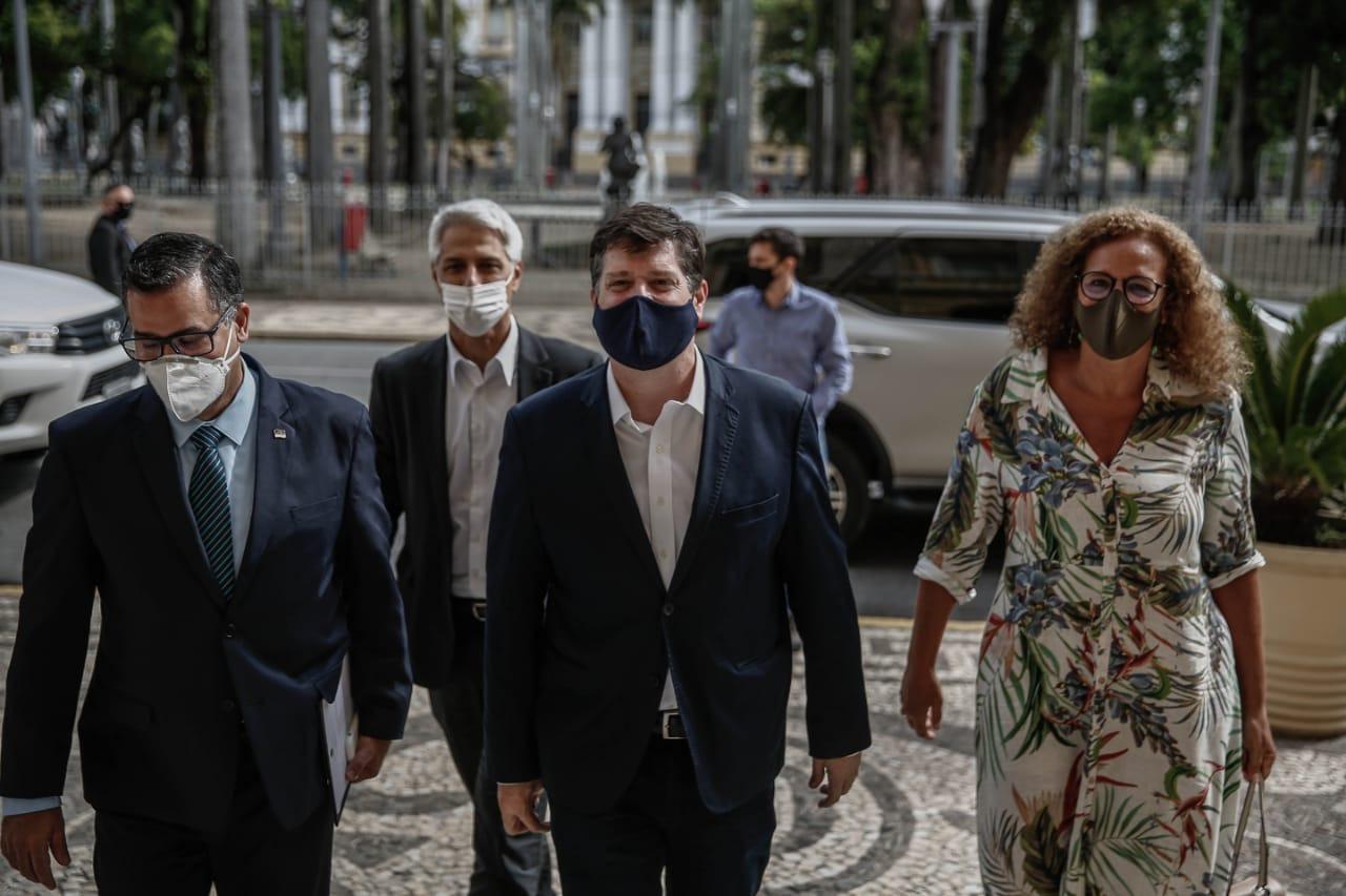 Baleia Rossi chegou acompanhado da deputada federal Jandira Feghali (PCdoB-RJ) e do líder do PSB na Câmara, o deputado federal Alessandro Molon (PSB-RJ). (Paulo Paiva/ DP)