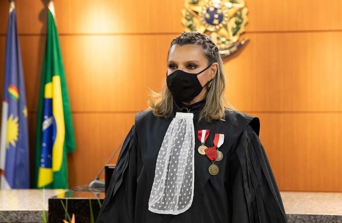 Desembargadora Maria Clara Saboya tomou posse no cargo de presidente em sessão solene realizada na quinta-feira (4).  (Foto: TRT-PE/Divulgação)