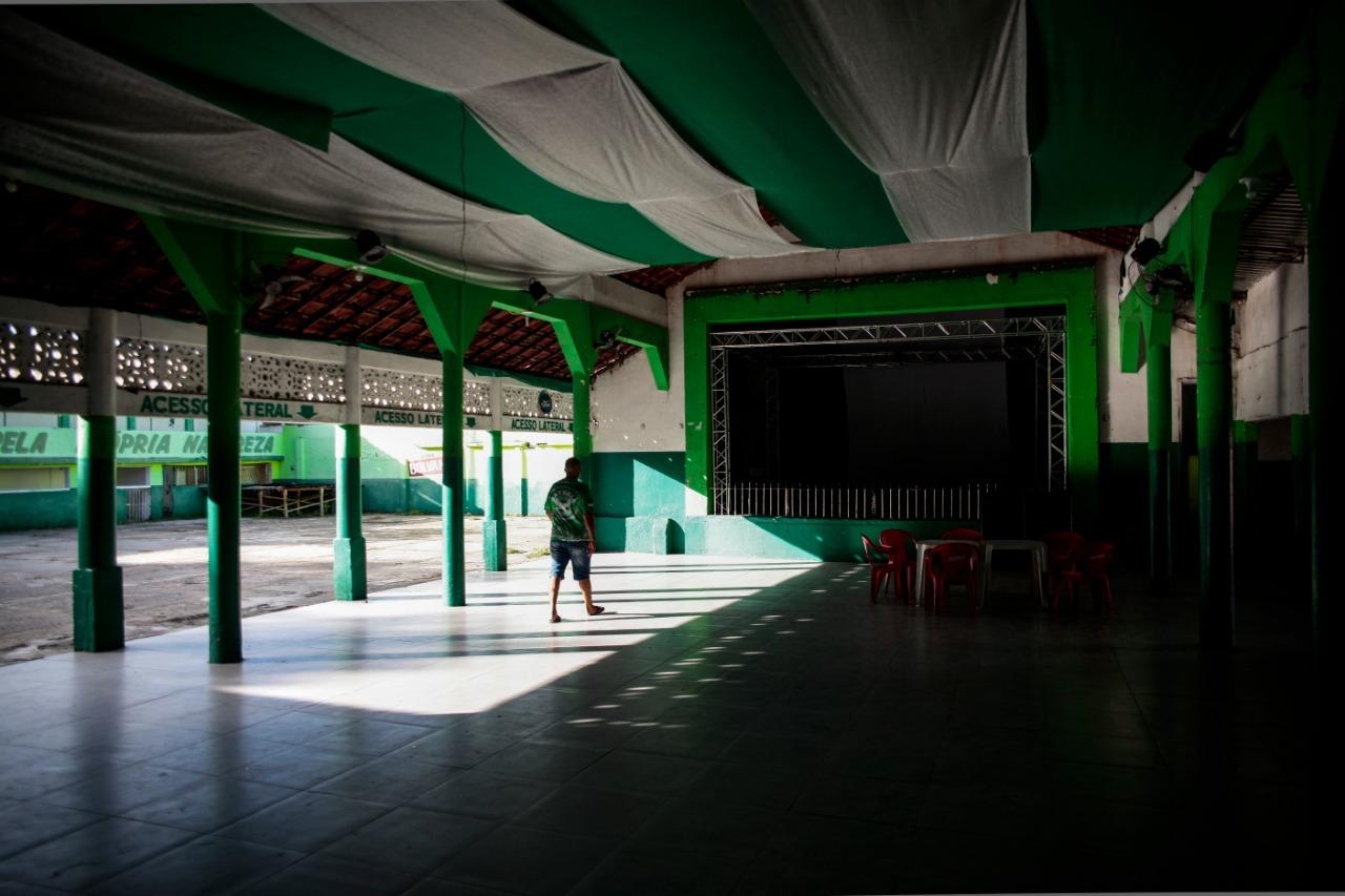 O salão vazio, sem música e a alegria do público provoca tristeza (Foto: Arnaldo Sete/Esp. DP)